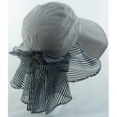Шляпа с капроновой вставкой бантом и брошкой